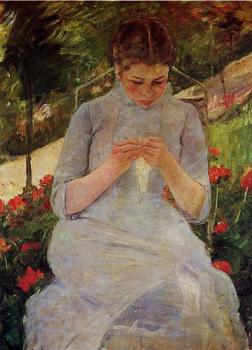 Mary Cassatt : Young Woman Sewing in a Garden