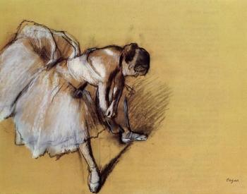 Edgar Degas : Dancer Adjusting Her Slipper