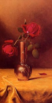Martin Johnson Heade : Two Red Roses in a Bronze Vase