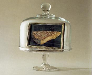 Rene Magritte : this is a piece of cheese