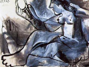 Pablo Picasso : reclining nude with a mirror