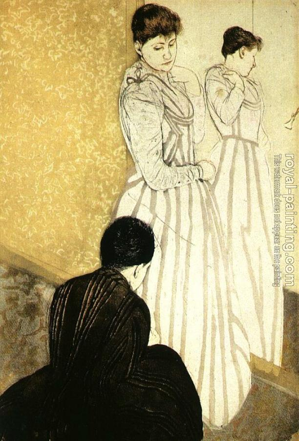 Mary Cassatt : The Fitting