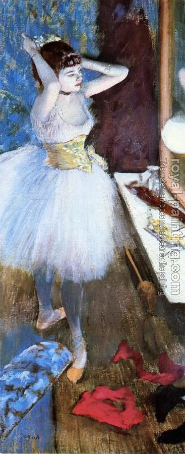 Edgar Degas : Dancer in Her Dressing Room